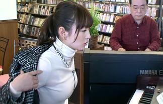 【モヤさま】テレ東のお色気番長・狩野恵里(27歳)!おっぱいくっきりの服装でぷるんぷるん!フェ●顔もあるよ! 画像64枚